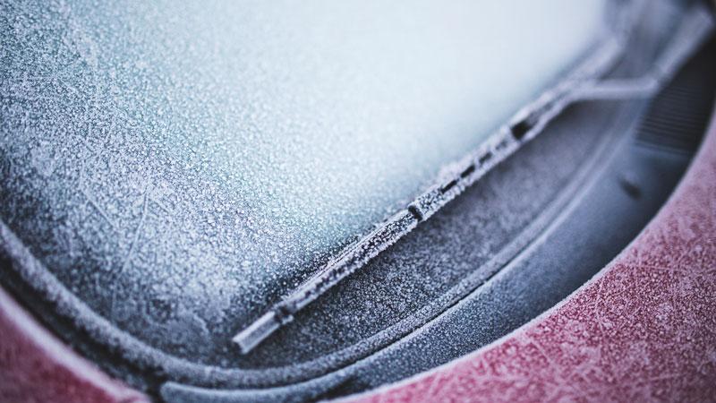 ¿Cómo quitar el hielo del parabrisas?