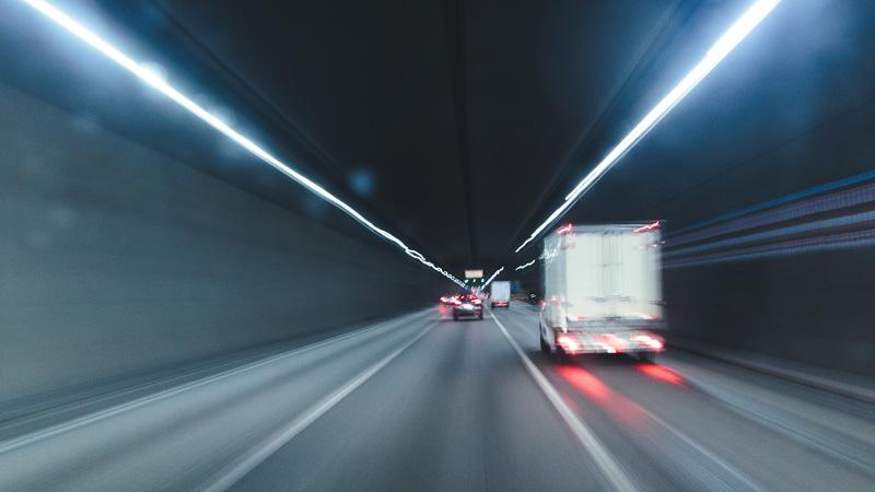 ¿Conoces el efecto túnel al volante?