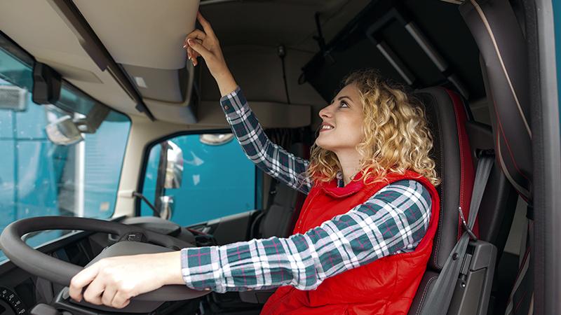 ¿Deben llevar las grúas de auxilio en carretera tacógrafos?